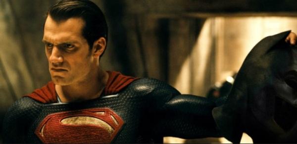 Última versão.Batman vs Superman 22